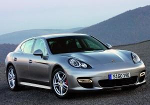 Masina Playboy a anului 2009 – Porsche Panamera