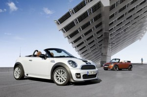 VIDEO: Mini Roadster e impresionant in orice limba