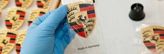 Te-ai intrebat vreodata cum se fabrica emblema Porsche?