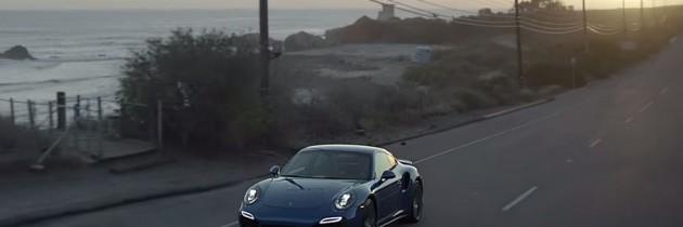 Porsche 911 Turbo S o intalneste pe Sharapova