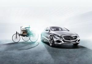 Un secol de inovatii Mercedes, in doua minute